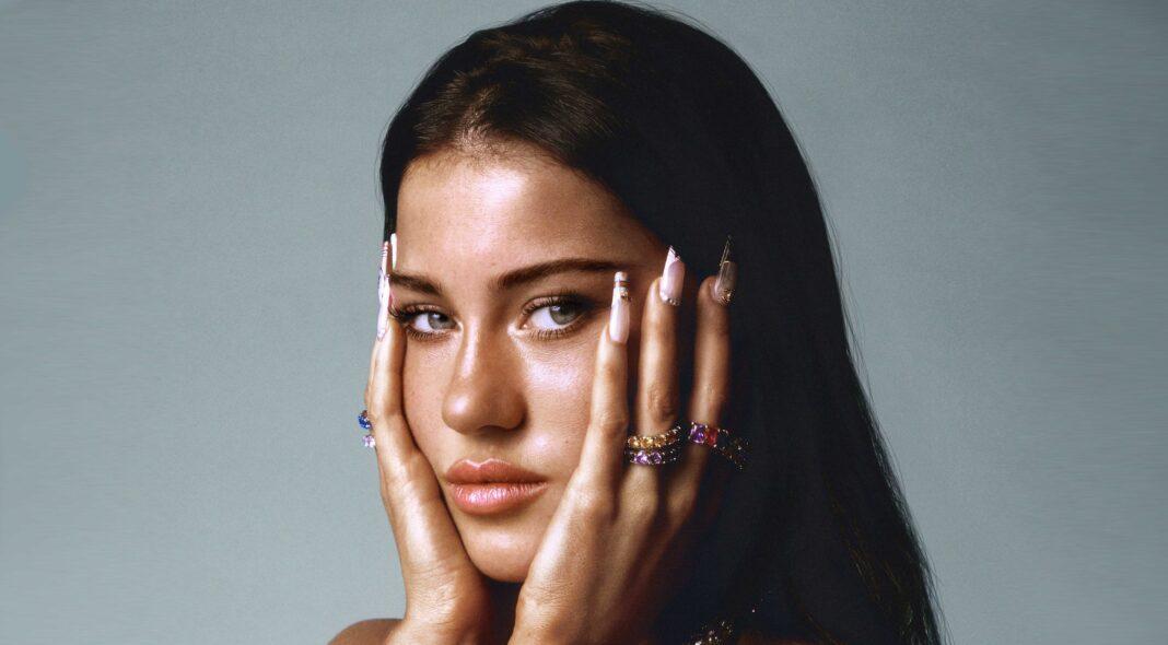 Claudia Valentina